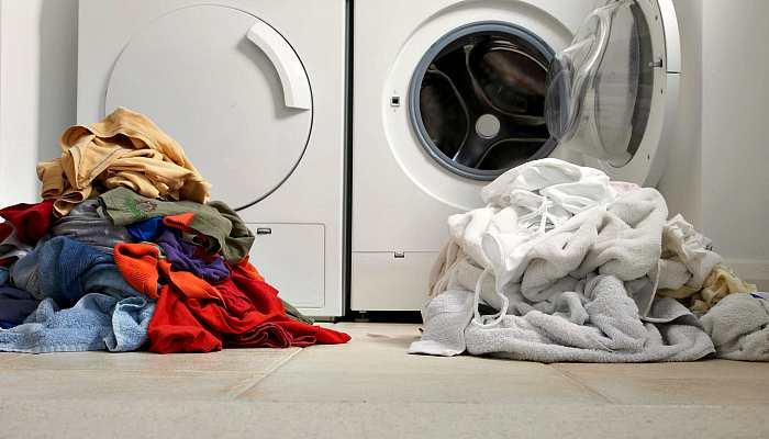 Разделение одежды перед стиркой