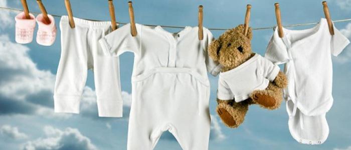 Сушка белой детской одежды