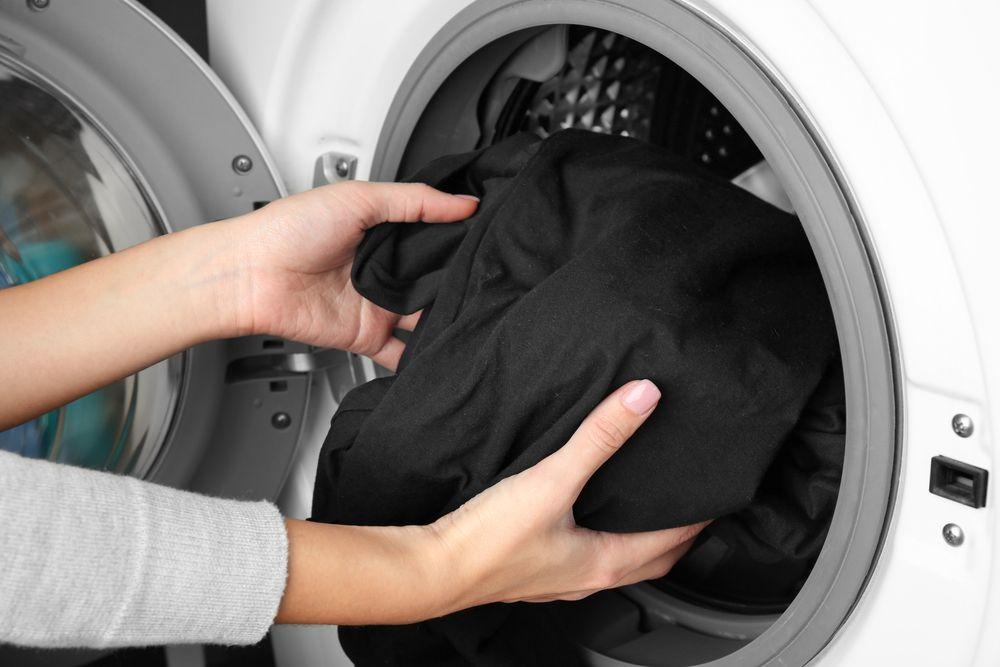 Стирка черных вещей в стиральной машине