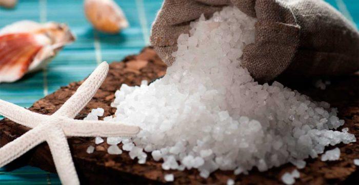 Морская соль для отбеливания вещей