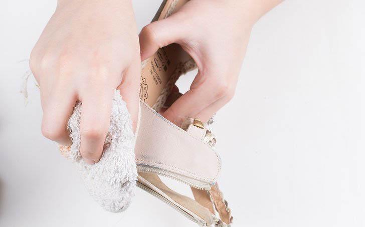 Сухая чистка обуви