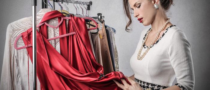 Как вывести подпалины от утюга с одежды